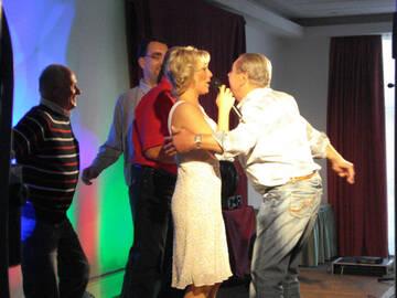 Liane mit Tanzpartnern