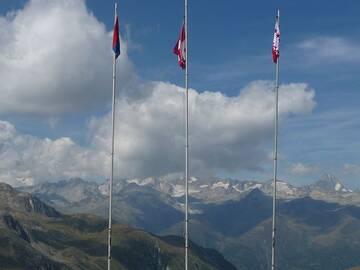 Blick vom Nufenenpass zu den Berner Alpen