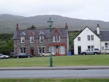 Typische Häuser auf der Insel Skye.
