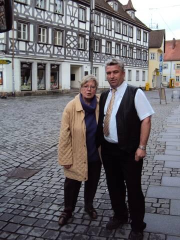Ingo Rieß mit unserer Reiseleitung in Forchheim